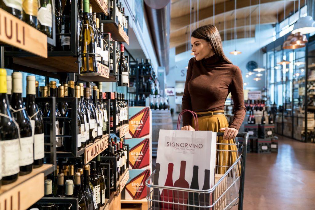 Anche online, sempre più spazio Signorvino riserverà alla capacità di consigliare il consumatore finale aiutandolo a destreggiarsi nella scelta dell'etichetta adatta