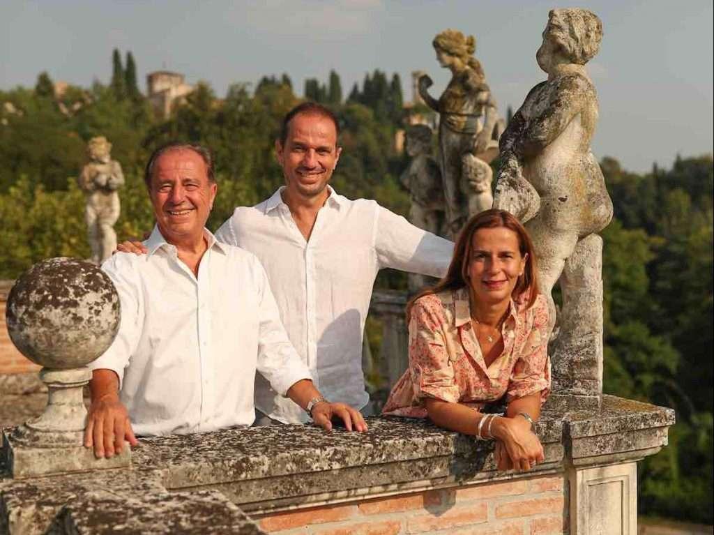 A sinistra, Armando Serena, presidente Montelvini,  con i figli Sarah, direttore generale dell'azienda veneta, e Alberto, amministratore delegato
