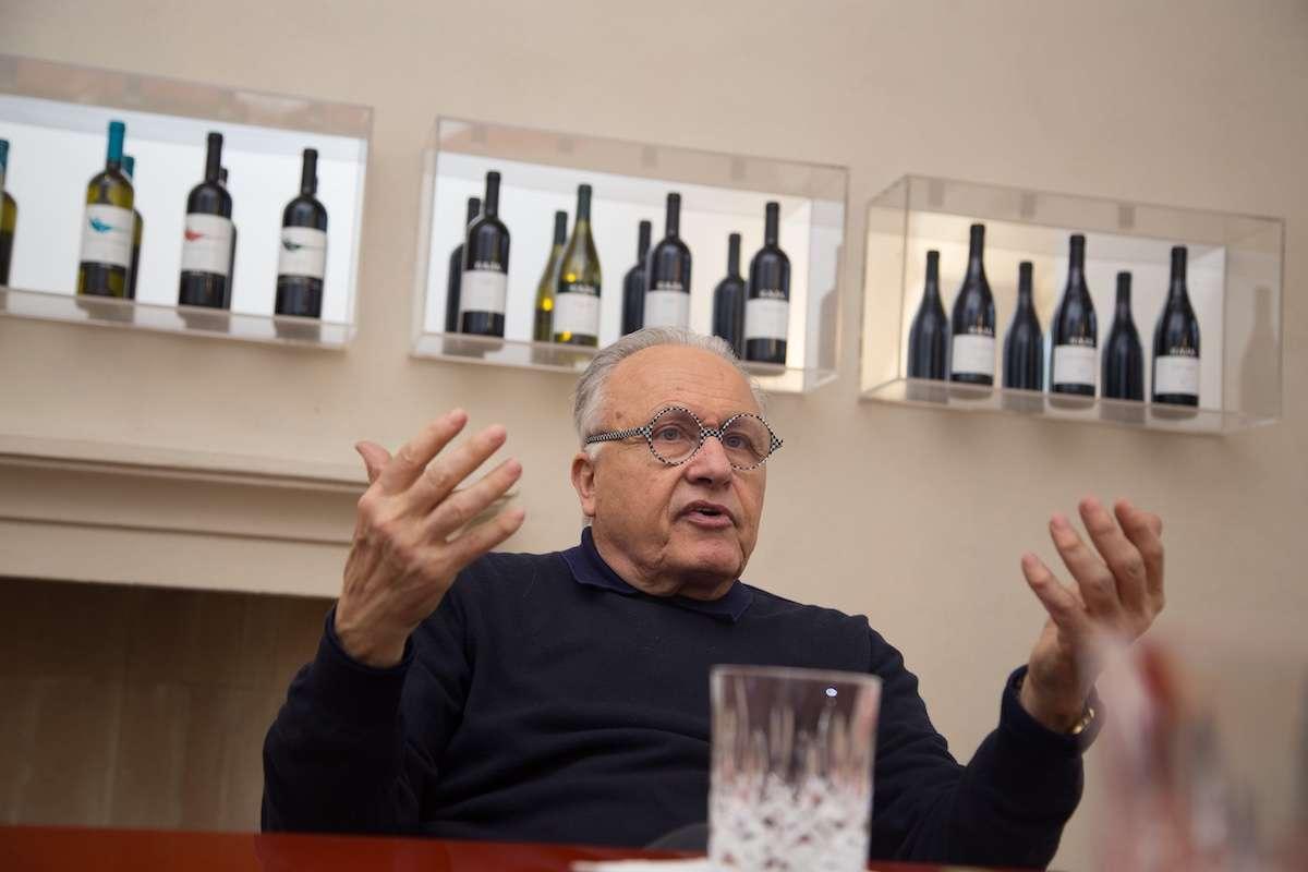 Il colore della crisi: la ricetta di Angelo Gaja per l'annus horribilis del vino italiano