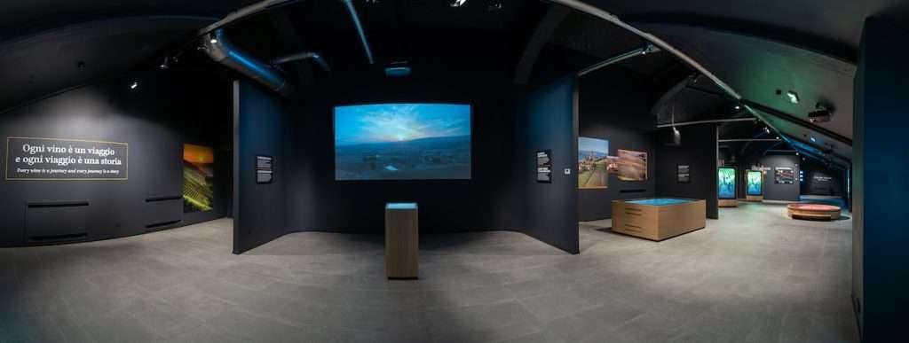 Wine Experience Across, l'evoluzione della proposta enoturistica di Mondodelvino, ha come suo elemento focale la scoperta del museo digitale e interattivo del vino di Priocca (Cuneo)