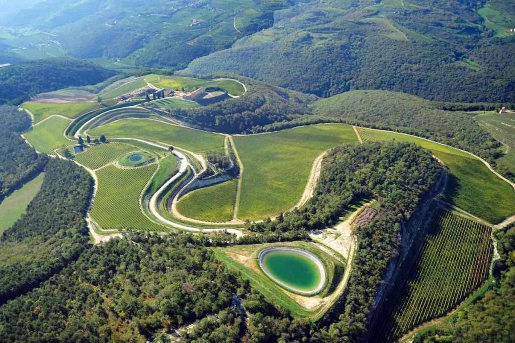 Panoramica della tenuta di Maternigo: acquistata nel 2006, ha sancito l'uscita dai confini della Valpolicella Classica per la famiglia Tedeschi