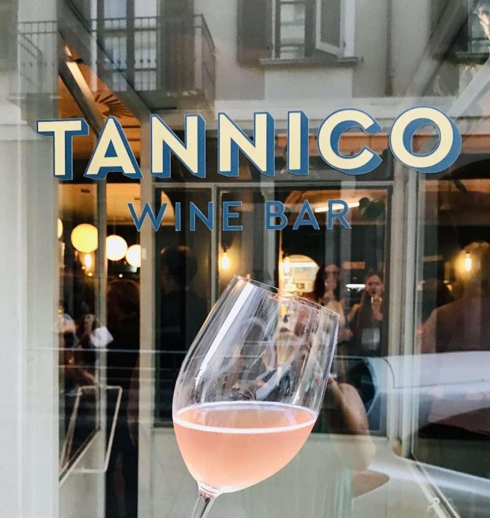 Porte aperte, il 1° luglio scorso, in via Savona 17 a Milano, per il primo Tannico Wine Bar