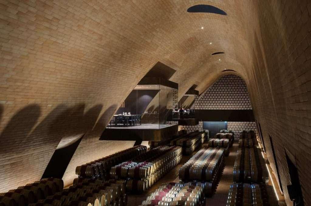 Nell'indice di redditività, rappresentato dal rapporto tra risultato netto e fatturato, il 2020 del vino italiano vede in testa Antinori (26%)