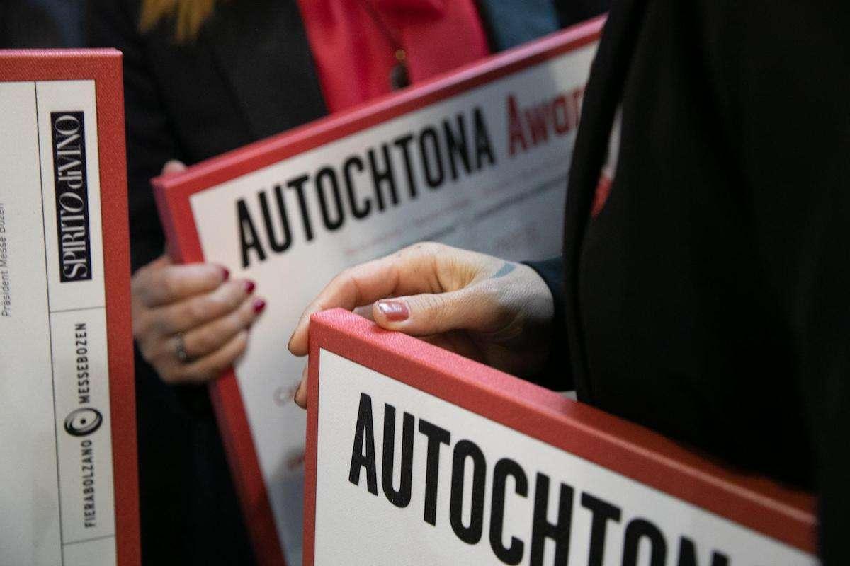 Anche Autochtona 2020 costretta a gettare la spugna: in scena solo gli Award