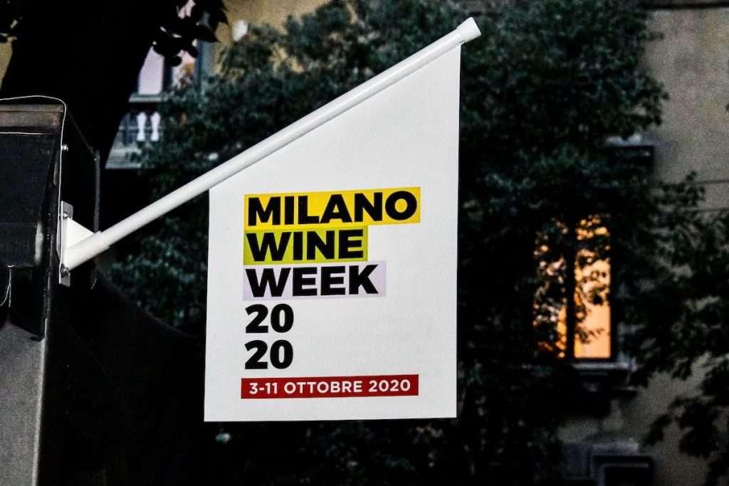 Acquisiti fisici o digitali, i protagonisti di Shaping Wine alla Milano Wine Week hanno dichiarato che bisogna fare un fronte comune per capire il consumatore, e non viceversa