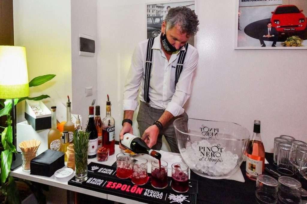 In Oltrepò si sono mossi proprio in occasione della Milano Wine Week per intercettare i nuovi consumatori, dando forma a una proposta di eventi fondata su cocktail in salsa pavese