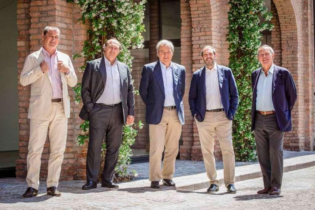 I fratelli Marzotto, proprietari di Santa Margherita Gruppo Vinicolo, con Beniamino Garofalo, amministratore delegato (secondo da destra)