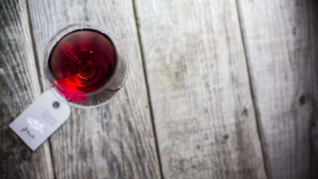 Anche un'ampia scelta di vini nella selezione del Mercatino di Natale online promosso da Pur Südtirol