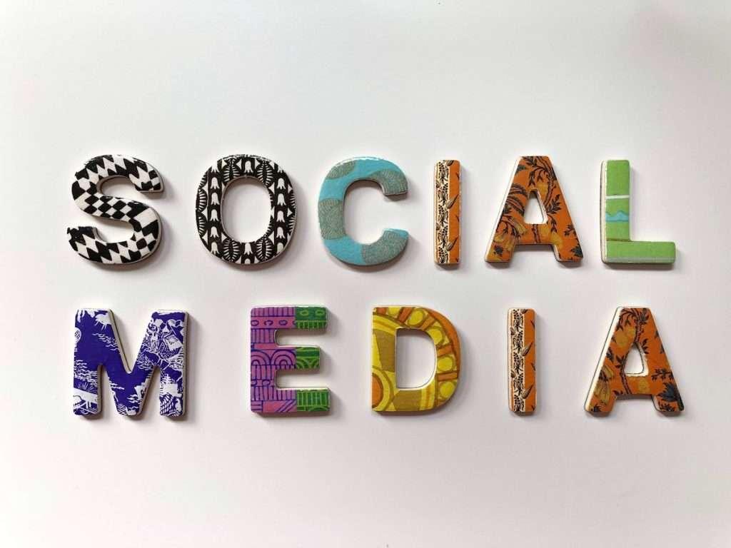 L'85% degli italiani ha dichiarato di tenere in considerazione l'opinione dei macro influencer sui social quando si tratta di acquistare un prodotto