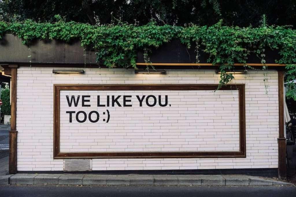 """""""Credo che la chiave per un brand nei social sia quella di soddisfare bisogni specifici, nell'ottica di offrire supporto e aiuto alle persone"""" (Andrea Santagata, direttore generale di Mondadori Media)"""