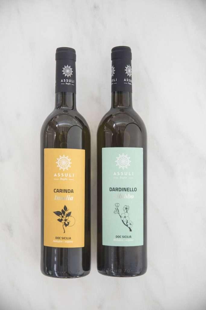 Insieme a Dardinello, altra interpretazione firmata Assuli della Sicilia del vino in bianco è quella di Carinda