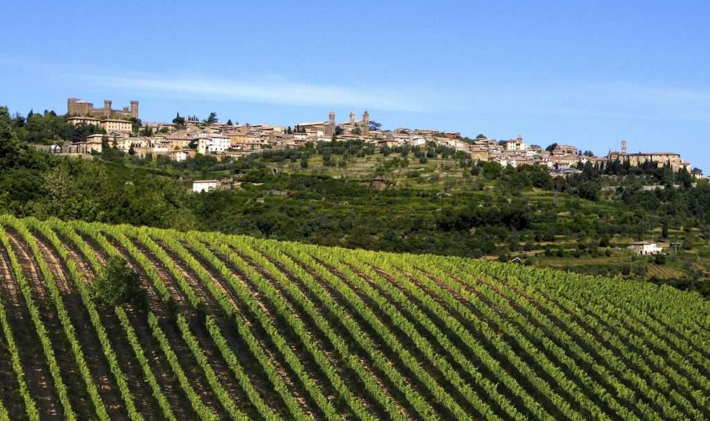 #CasisanoTales è un affascinante e coinvolgente cammino attraverso i secoli alla scoperta di una città unica e del suo vino: il Brunello