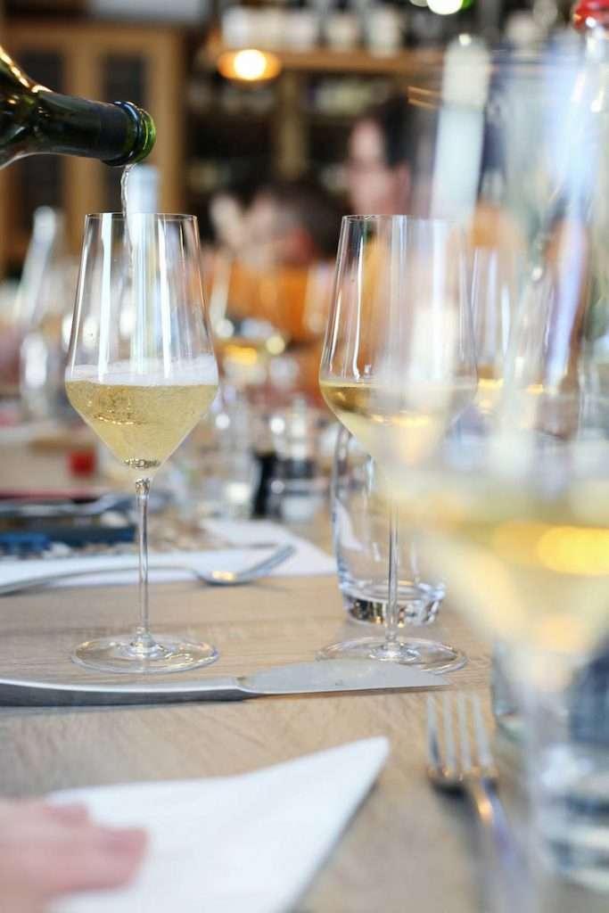 Lo Champagne non deve per forza essere solo il brindisi delle occasioni speciali. Tante le tipologie che sposano piatti di ogni tipo: anche per i pic-nic di Pasquetta