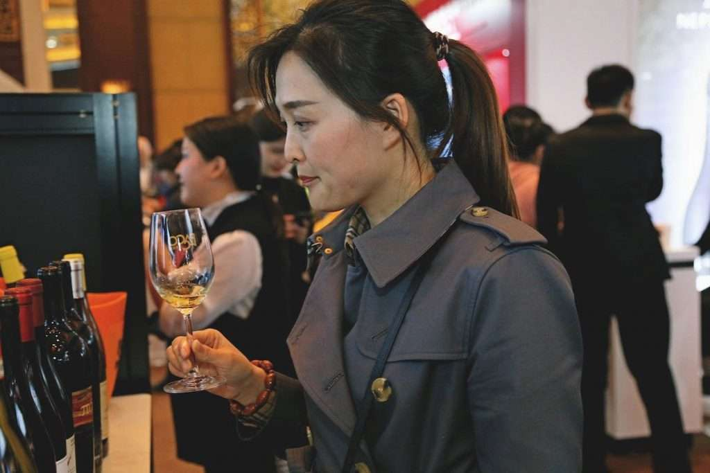 Roadmap Vinitaly. Nel 2021 gli ordini cinesi si sono rimessi in moto: l'import di vino italiano dalla Cina ha registrato un boom di crescita di oltre il 62% rispetto al bimestre precedente