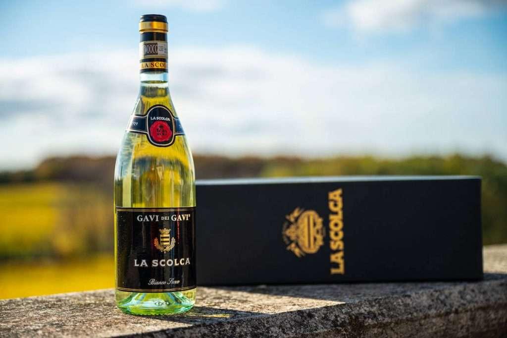 La Scolca ha pensato a wine experience su misura per proporre un approccio immersivo ed olistico per conoscere la filosofia del Gavi dei Gavi e l'indissolubile connubio fra la cantina, il vino e il suo territorio