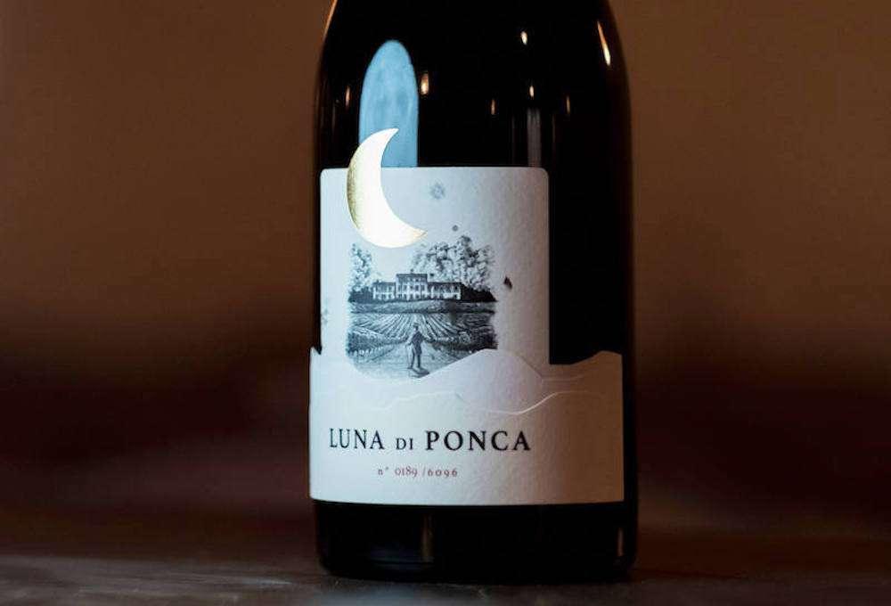 Dell'annata 2019, di Luna di Ponca sono state prodotte 6.096 bottiglie numerate da 0,75 lt, 230 in formato Magnum e 20 Jeroboam