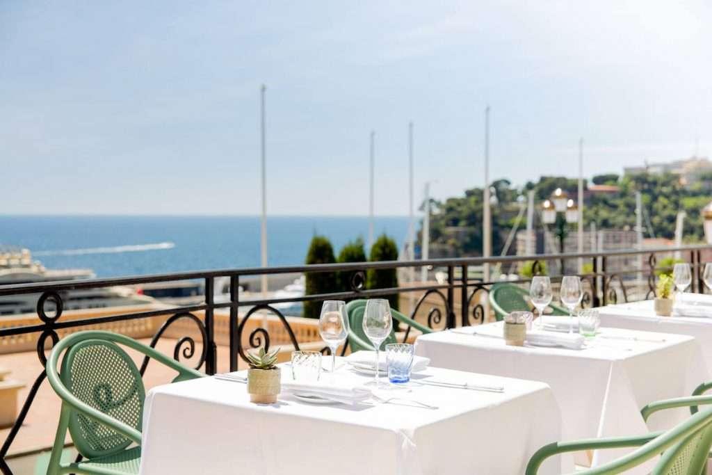 A Santa Margherita di Pula in provincia di Cagliari, lo Chef Berton sarà in scena all'interno del Forte Bay, il ristorante che dalla sua meravigliosa terrazza offre agli ospiti del Resort Forte Village una vista mozzafiato sullo splendido mare di Sardegna
