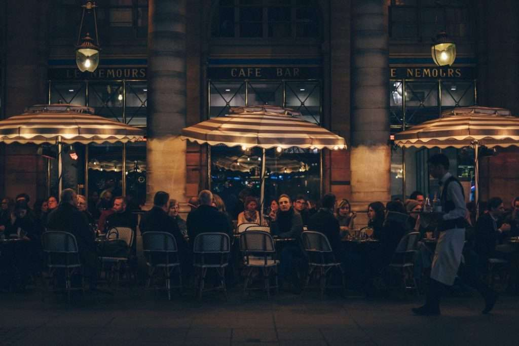 """A inizio dello scorso mese di maggio, nei ristoranti le tavole """"riservate"""" sono schizzate all'insù di 10 volte allo stesso periodo dell'anno precedente"""