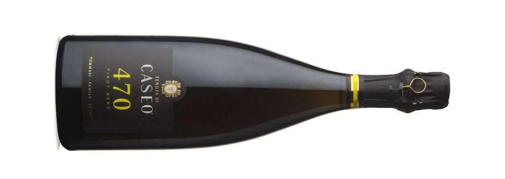 470 Pinot Nero Metodo Classico Brut, secco e intrigante, nasce da uve 100% Pinot Nero