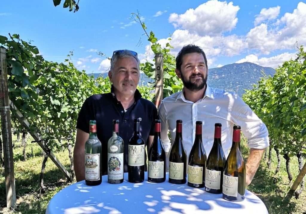 Da sinistra, Celestino Lucin, enologo di Abbazia di Novacella, e Werner Waldboth, direttore vendite