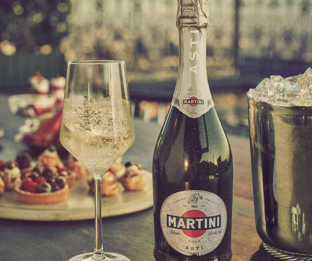 L'Asti Martini festeggia 150 anni e si regala la svolta green