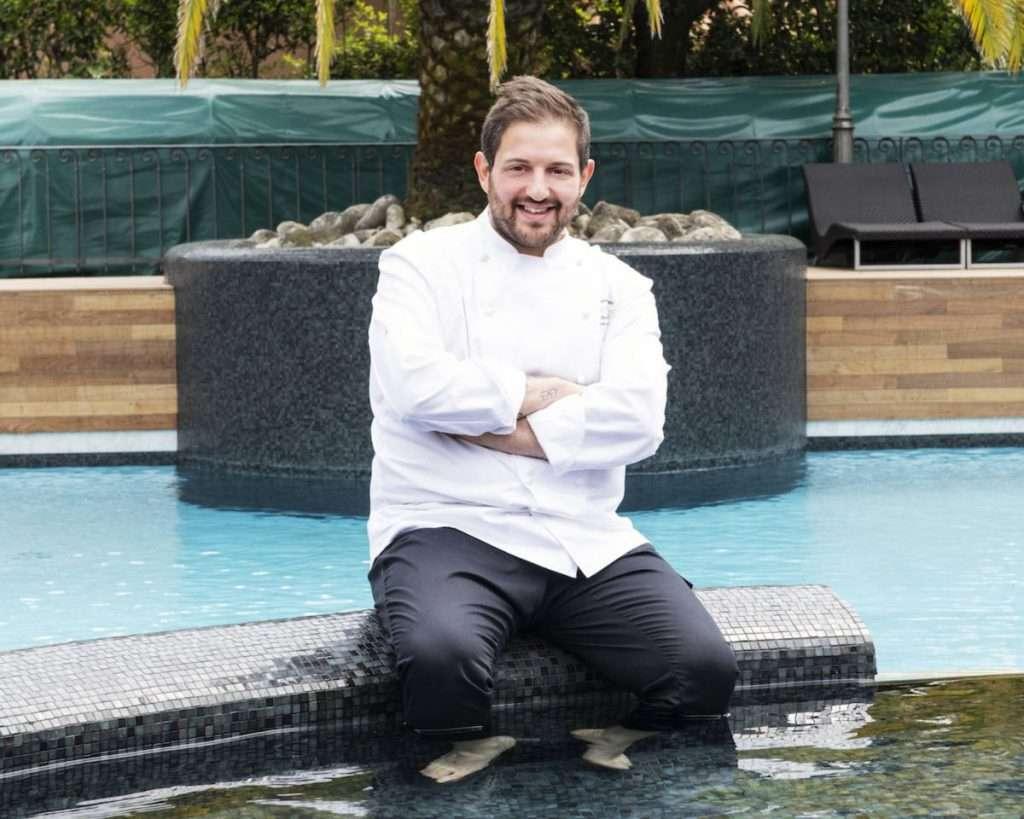 Lo chef resident de La Magnolia di Forte dei Marmi, Cristoforo Trapani, fiore all'occhiello dell'Hotel Byron, dimora a cinque stelle del Gruppo Soft Living Places in Versilia