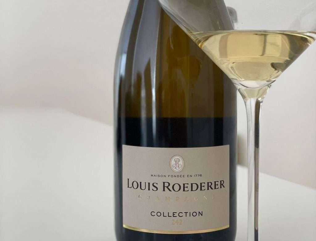 In Collection 242 il vino dell'ultima vendemmia non è più la base dell'assemblaggio a cui integrare i vini di riserva per donare complessità e garantire costanza nel tempo