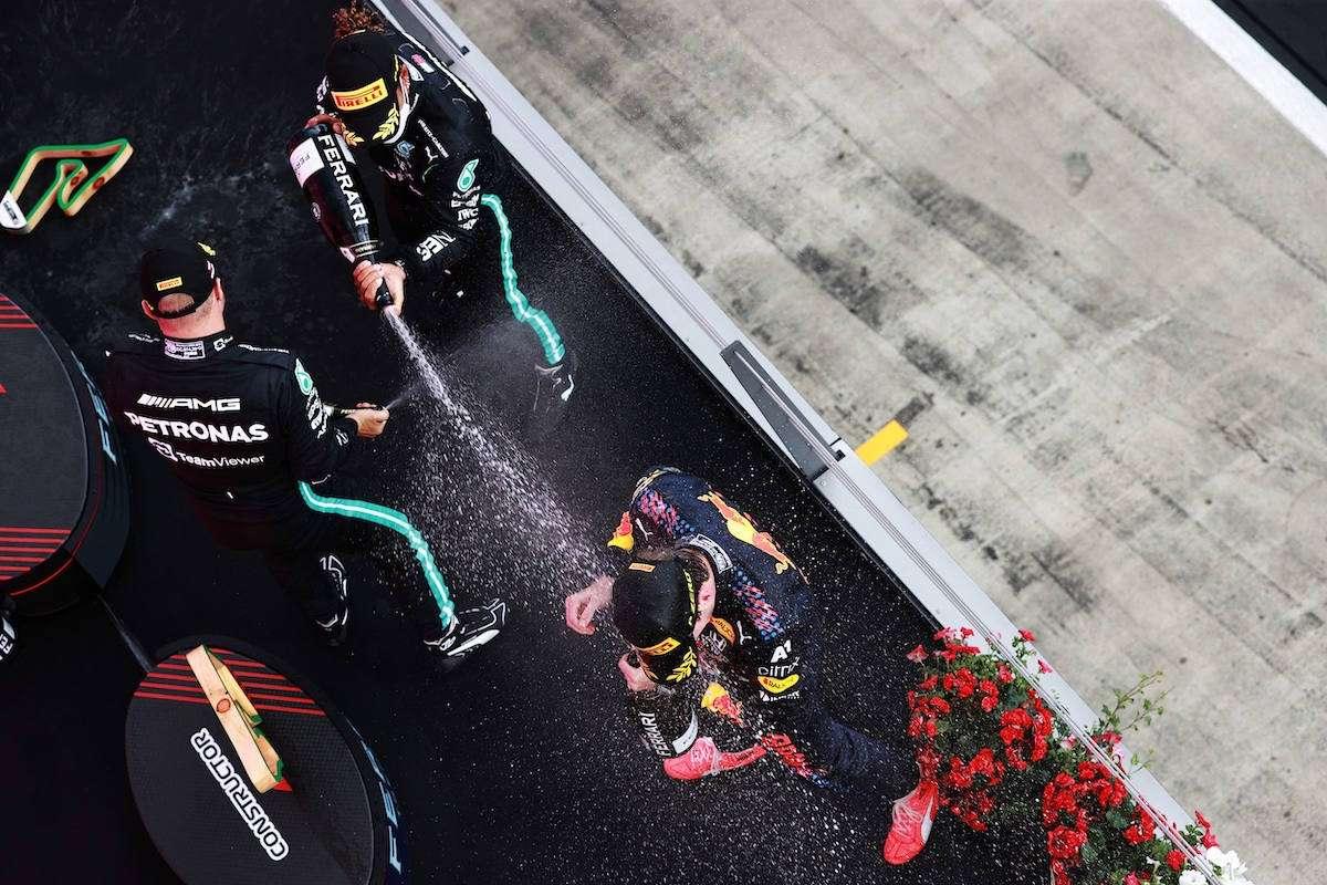 Arriva la bottiglia per brindare come in Formula 1
