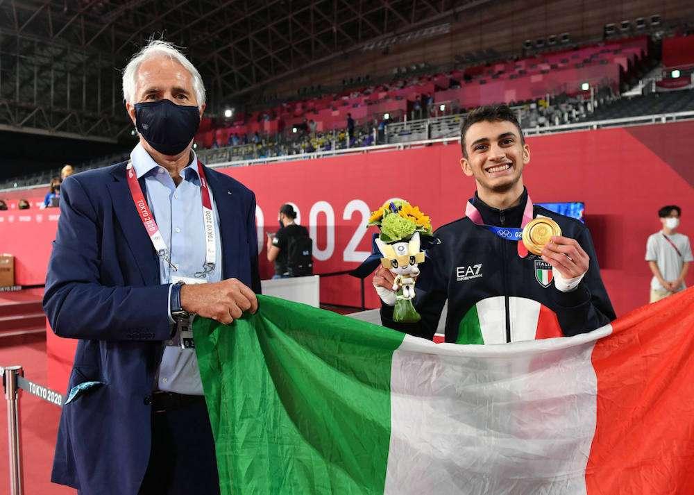 Le Olimpiadi giapponesi sono iniziate con un carico di medaglie per la spedizione italiana. E ogni successo degli atleti tricolore sarà celebrato dal brindisi ufficiale di Casa Italia Tokyo 2020: le bollicine Ferrari
