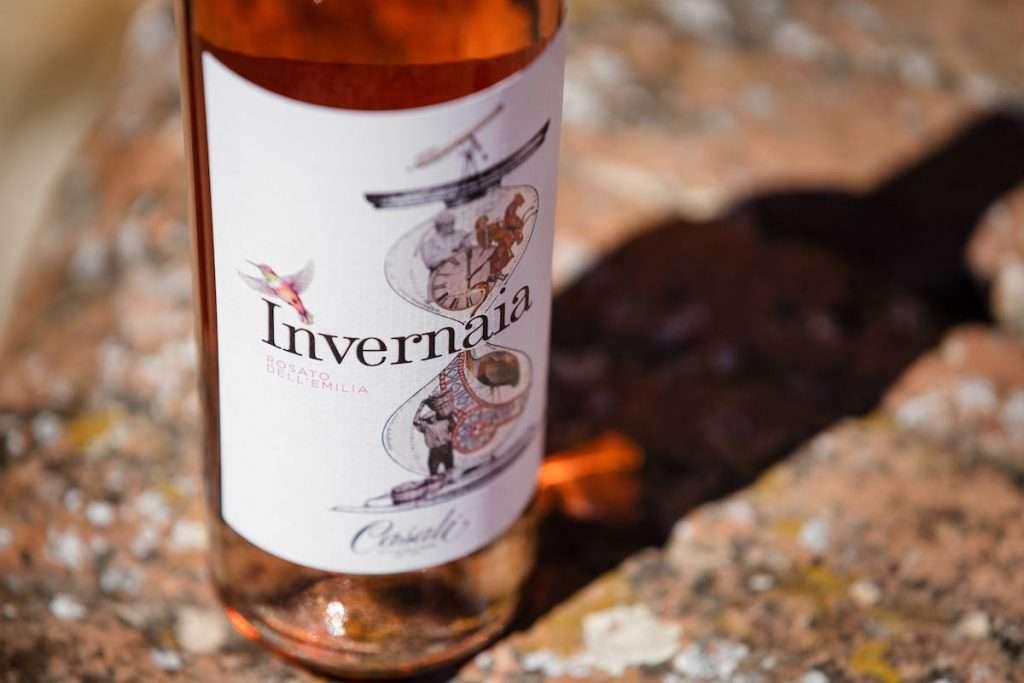 Anche in etichetta, sui tre vini della linea Invernaia si ritrova un vero collage di immagini e suggestioni che richiamano a Reggio Emilia e al suo territorio tutto da scoprire