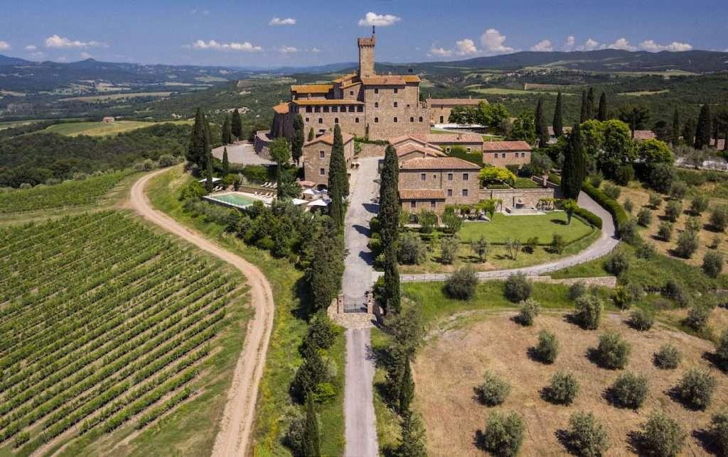 Il Castello Banfi Wine Resort è oggi un gioiello dell'ospitalità italiana