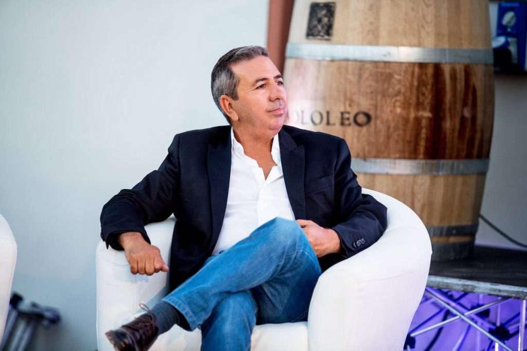 L'alberello pugliese è unico per le caratteristiche del grappolo e dell'acino ma anche per la qualità del gusto e del colore che riescie a trasmettere ai vini, sottolinea Paolo Leo