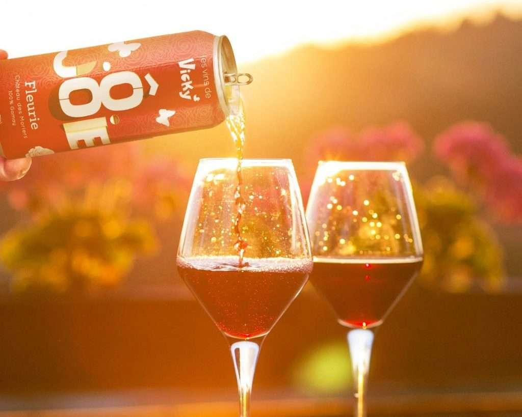 Punto di non ritorno che favorirà la diffusione del vino in lattina è la sua praticità, secondo Miss Vicky Wine