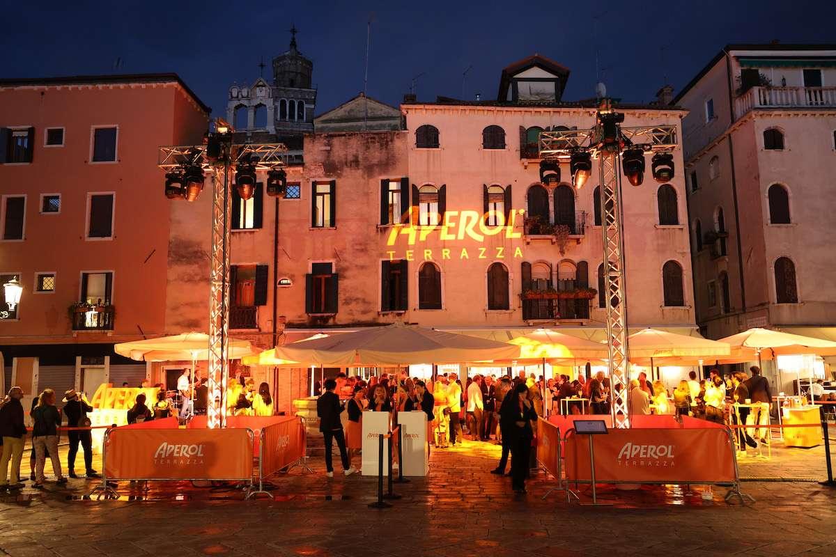 Terrazza Aperol apre ufficialmente i battentia Venezia