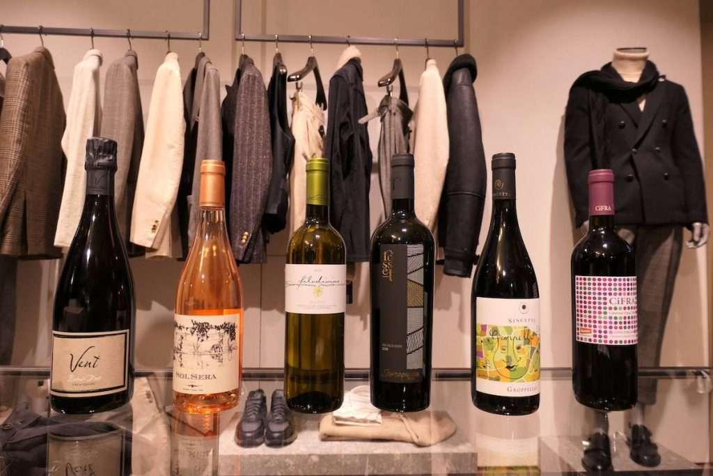 Le etichette firmate da D'Attoma che hanno accompagnato l'evento dove si è parlato di convergenze tra moda e vino