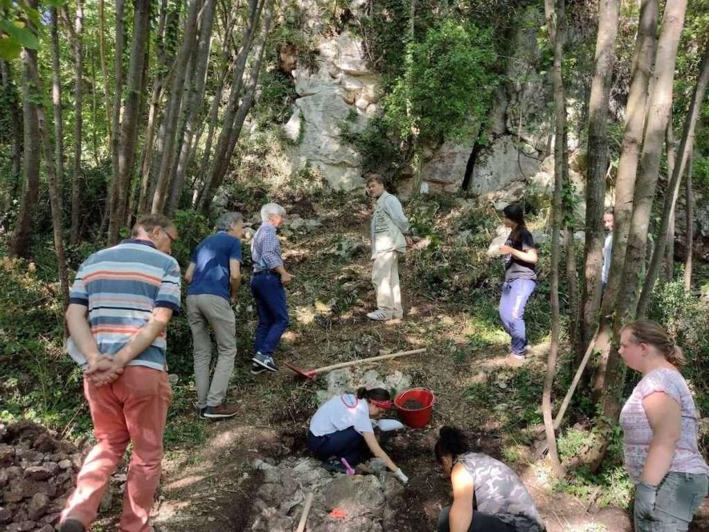 A Colombare di Villa, sito preistorico a Negrar di Valpolicella (Verona), si consumava l'uva già tra il Neolitico e l'età del bronzo